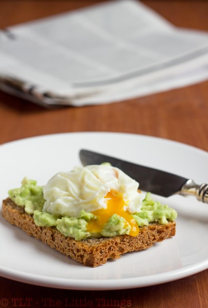 toast avocado poached egg (brood avocado gepocheerd ei)